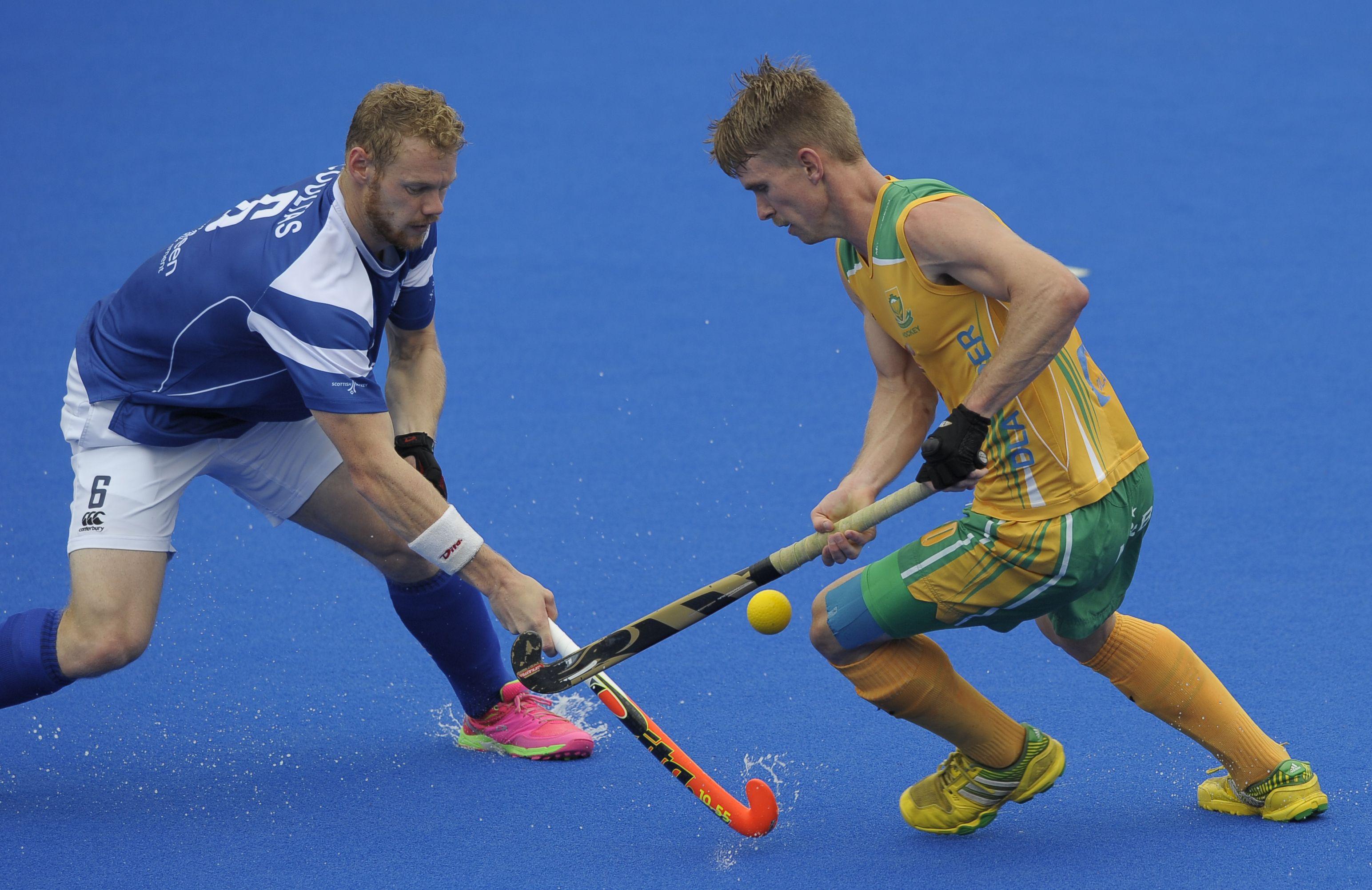 Hockey men edge Scotland 3-2