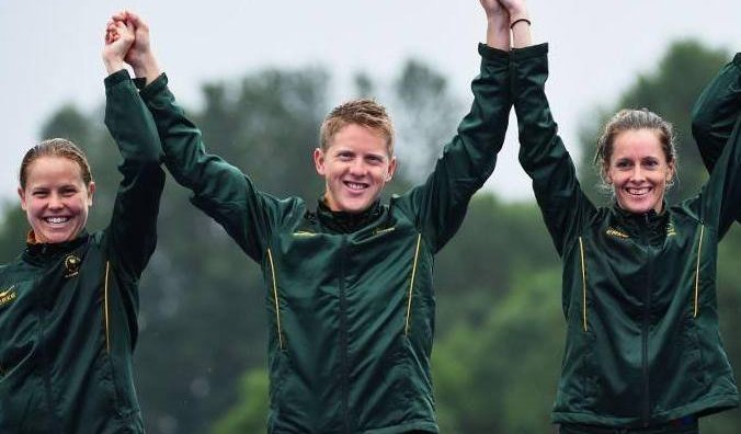 Commonwealth silver medallist Roberts quits racing