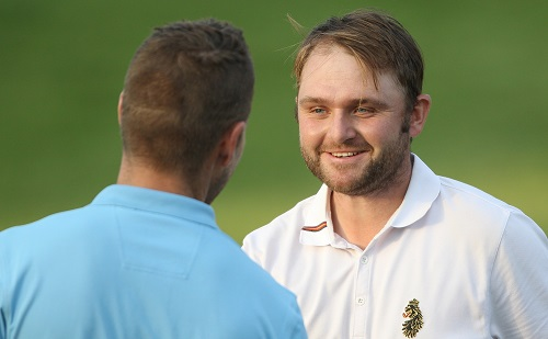 Sullivan soars to first round lead at SA Open