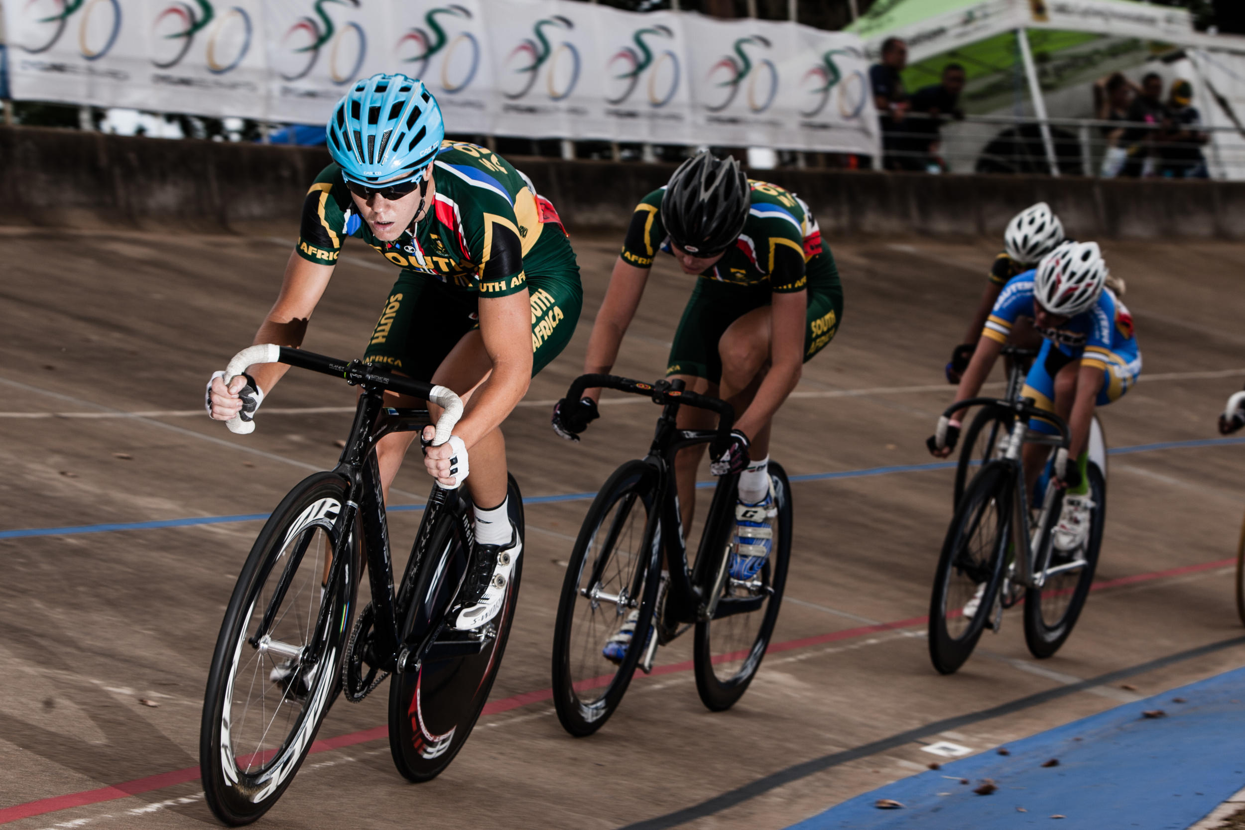 Hoffman, Matthee ride off with continental scratch titles