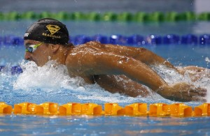 Chad Le Clos of South Africa swims during the men's 200m butterfly event of the FINA Swimming World Cup in Singapore November 1, 2014. REUTERS/Edgar Su (SINGAPORE - Tags: SPORT SWIMMING)