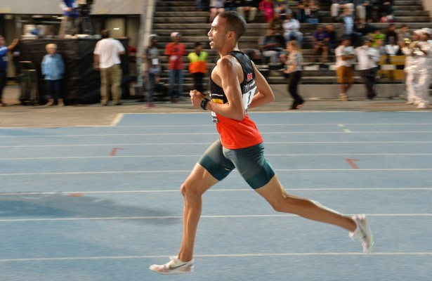 CAPE TOWN, SOUTH AFRICA - MARCH 22: Elroy Gelant in the mens 5000m during the ASA Night Series at Green Point Athletics Stadium on March 22, 2016 in Cape Town, South Africa. (Photo by Roger Sedres/Gallo Images)