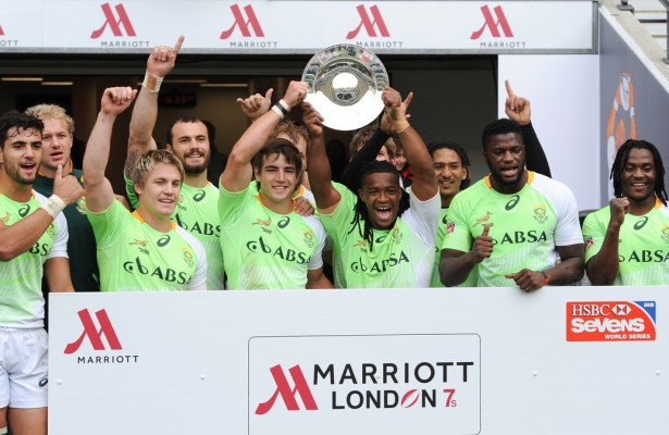 LONDON, ENGLAND - Sunday 11 May 2014, the Springbok Sevens hold up the plate during the Plate final match between South Africa and Kenya at the Marriott London Sevens rugby tournament being held at Twickenham Rugby Stadium in London as part of the HSBC Sevens World Series. Photo by Roger Sedres/ImageSA