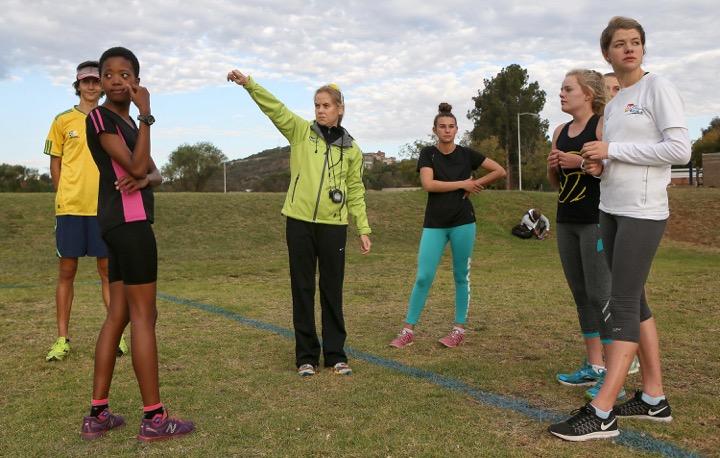 Triathlon ace Roberts reverses roles in Rio