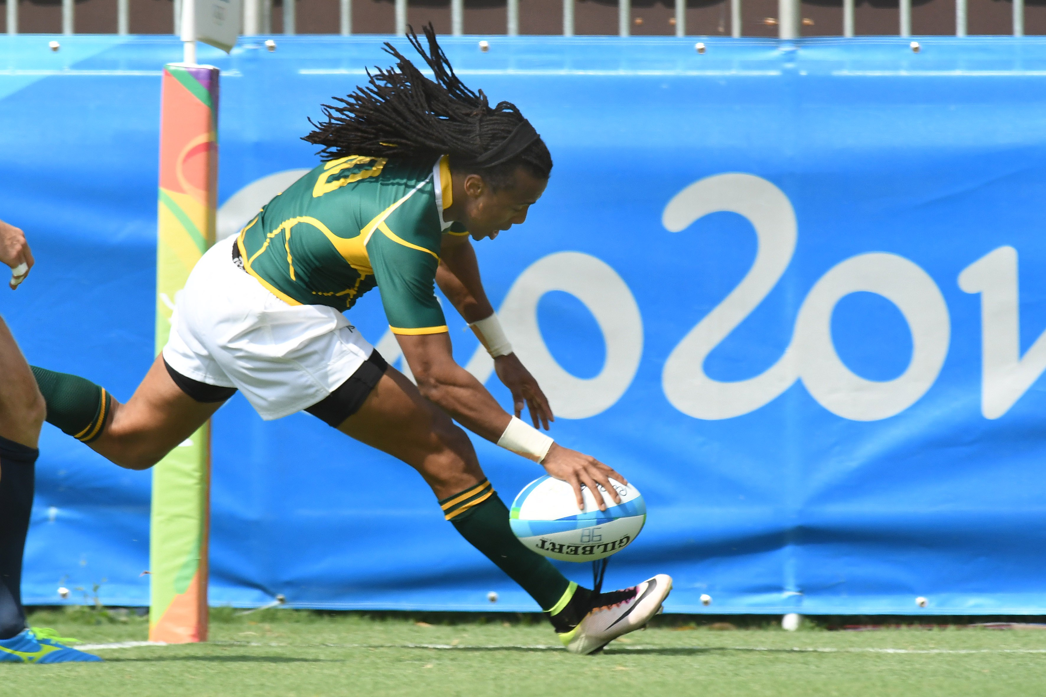 SA Sevens men open campaign in style
