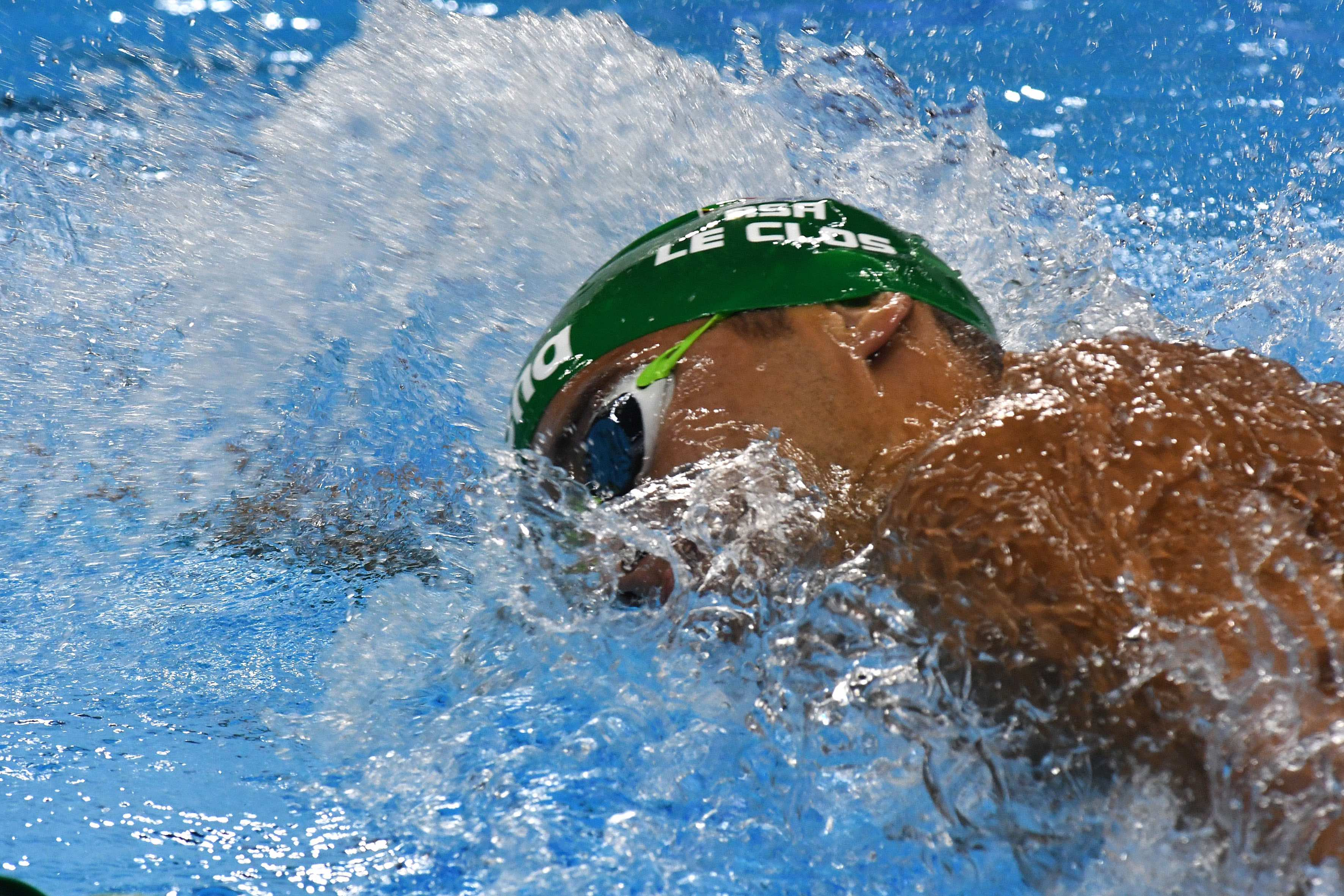 Le Clos speeds to spectacular silver