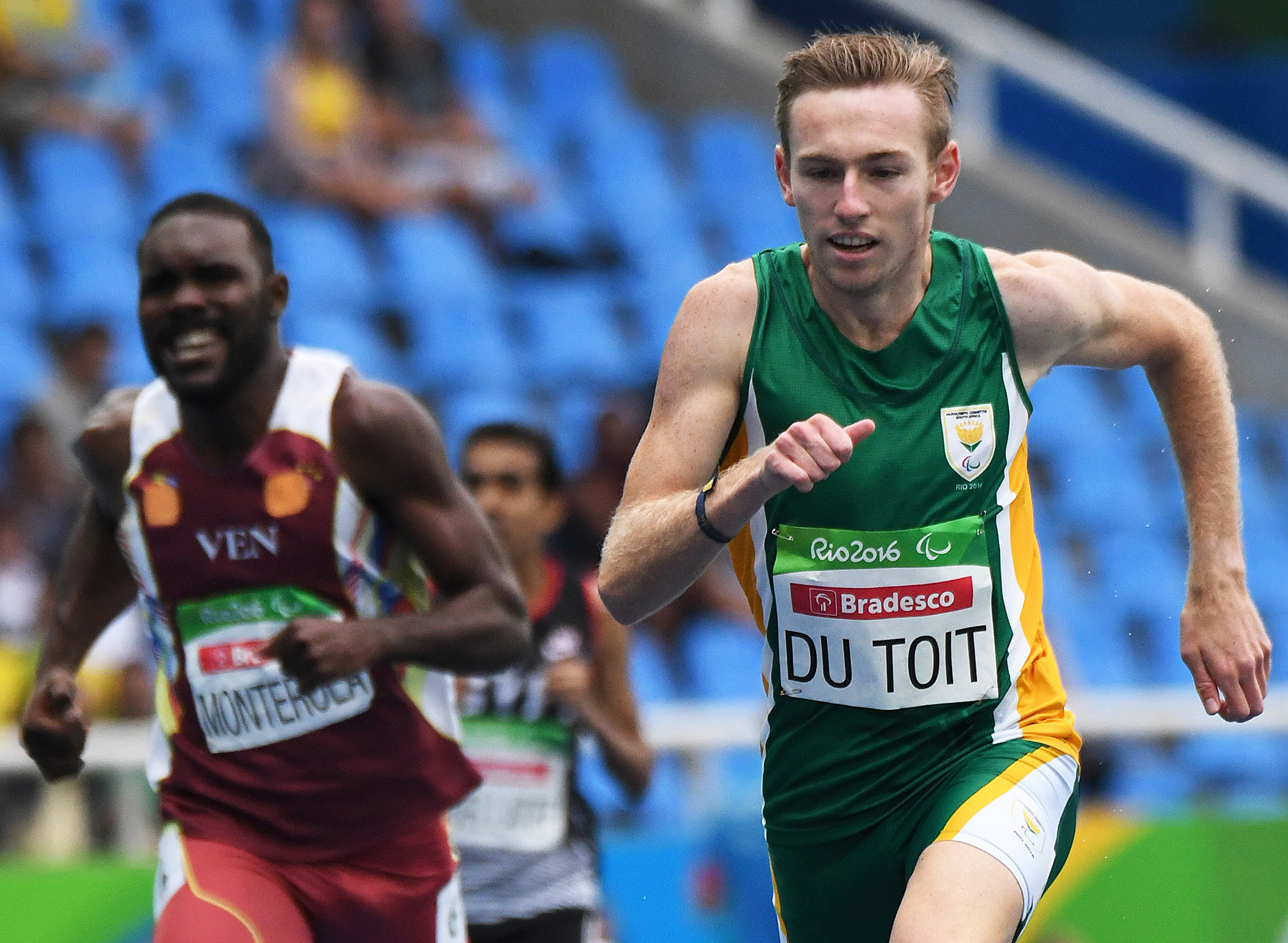 It's Du Toit at the double as he gets 400m gold in Rio!
