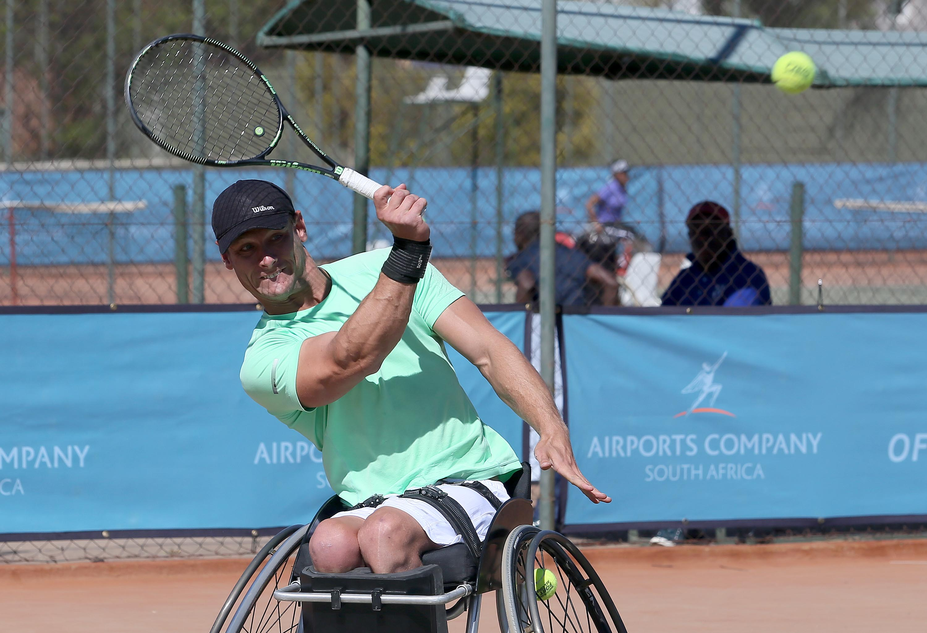 Els does the double with two titles in Bloem