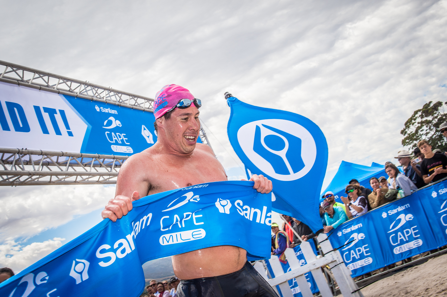 Ho, Weber on top at fourth Cape Mile