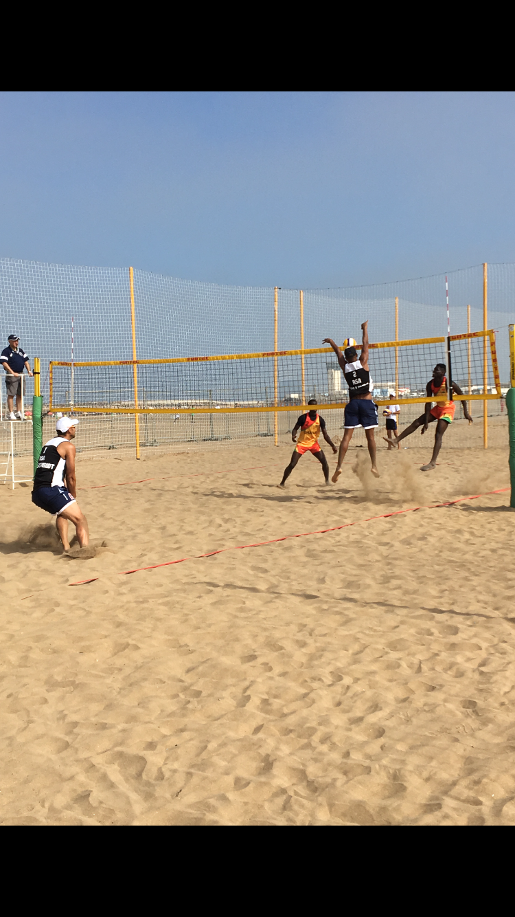 Team SA open up with easy beach win