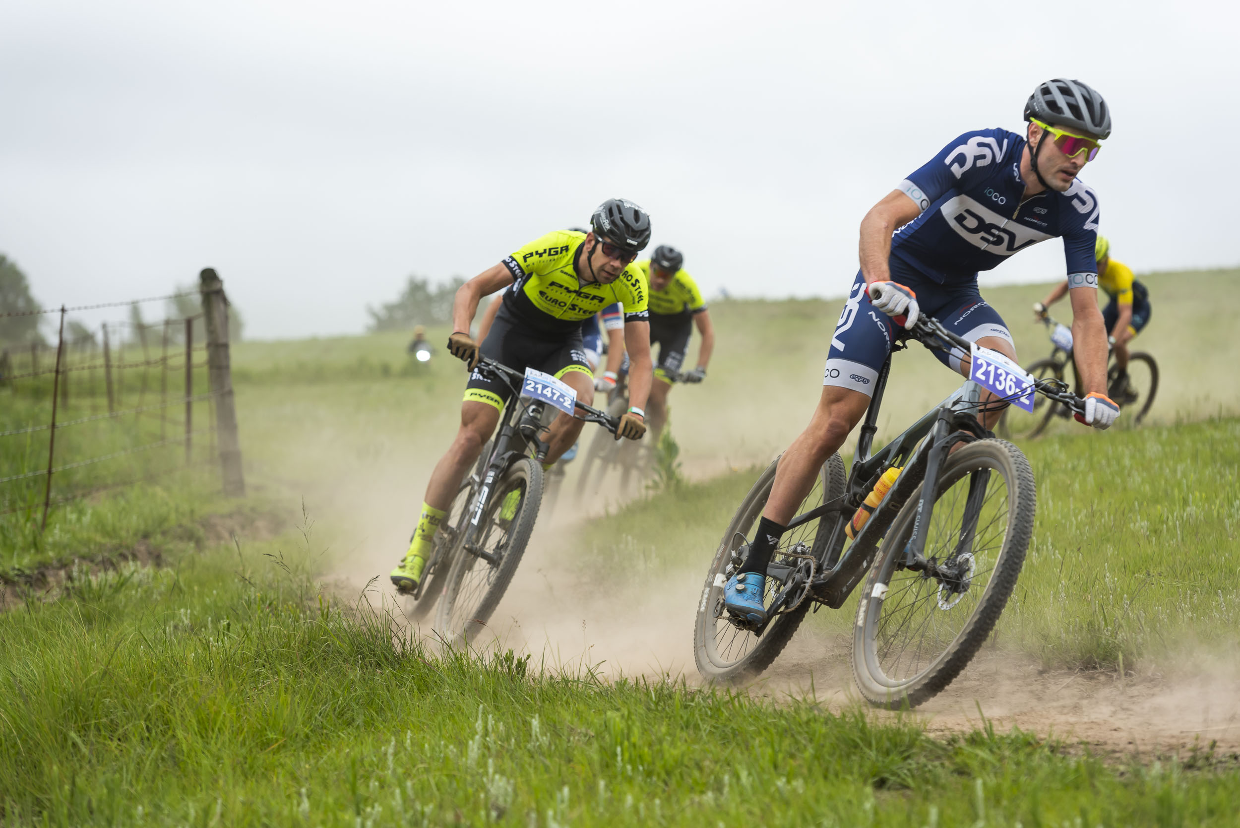 Du Toit and Heyns lead field home on day 1