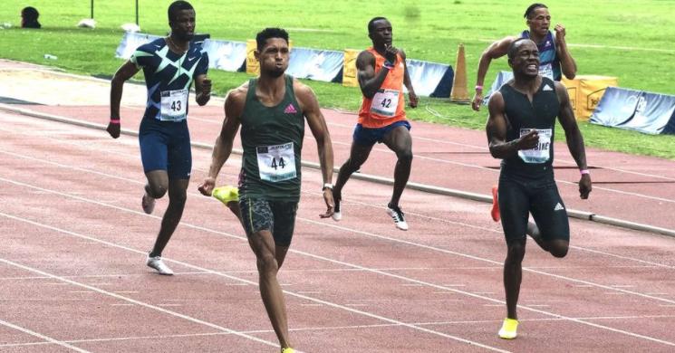 Van Niekerk shows his form in 200m win