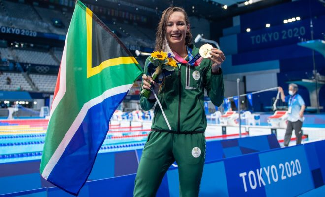 Schoenmaker takes GOLD in world record time